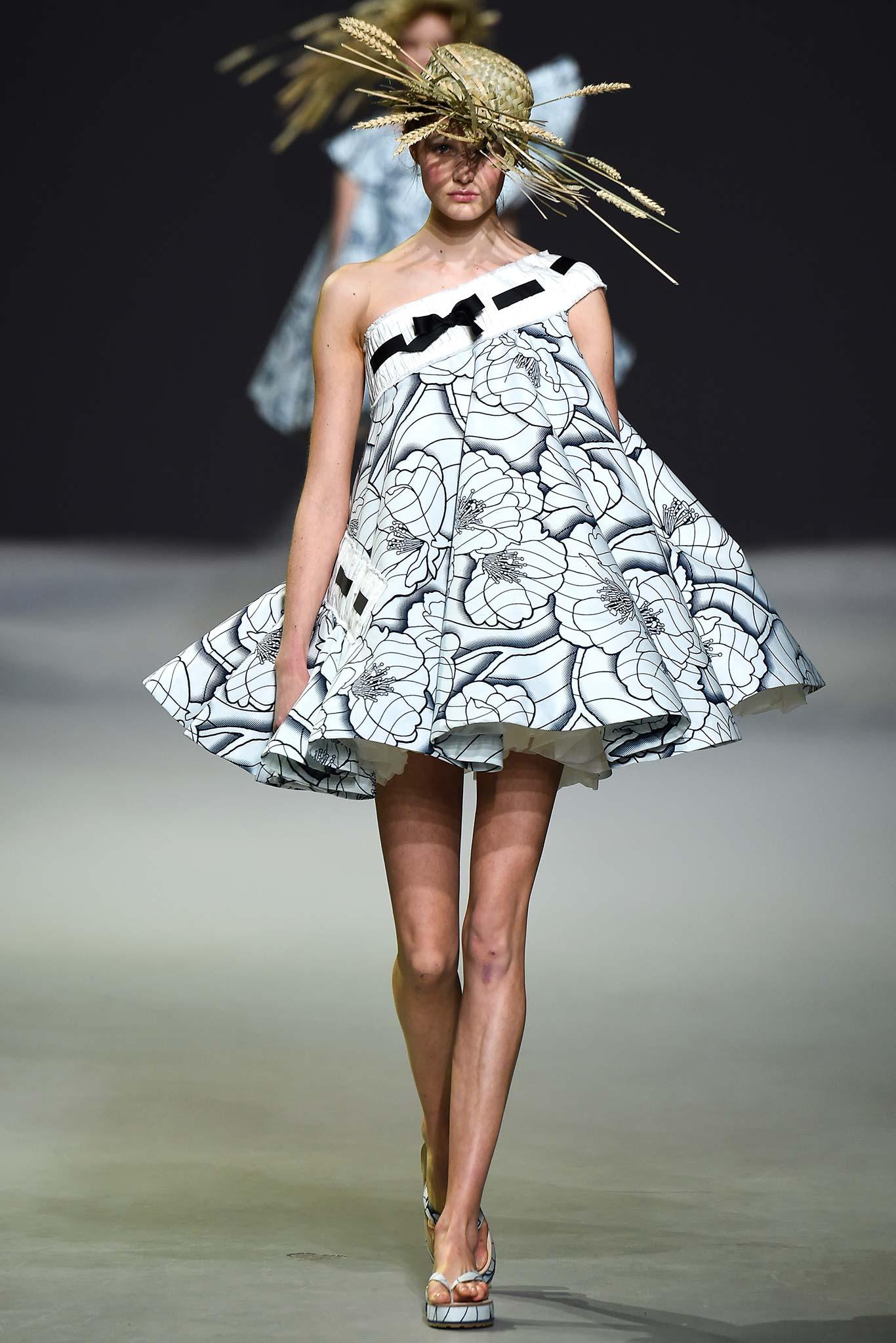 Viktor & Rolf Spring/Summer 2015 Couture
