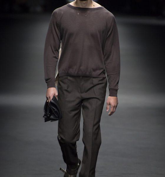 Versace Spring 2017 Menswear on Bessd