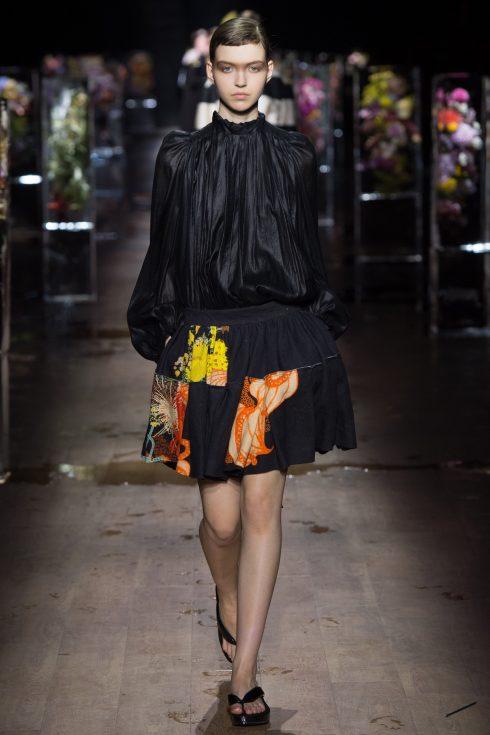 Dries Van Noten Spring 2017 Ready-to-Wear Paris Fashion Week